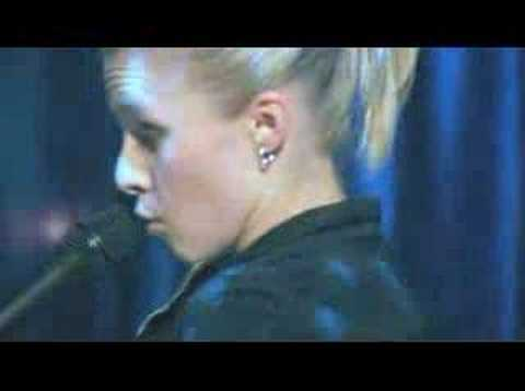 Kristen Bell - Veronica Mars - Sings - One Way or Another - YouTube