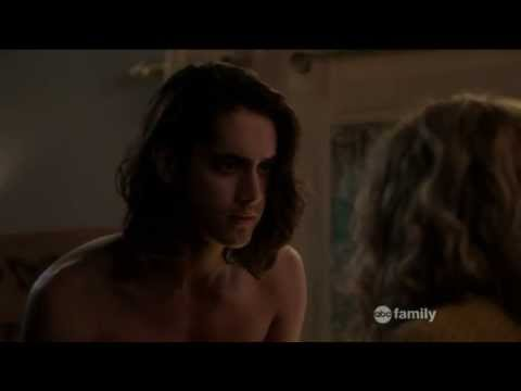 Jo and Danny kiss - Twisted 1x07 - YouTube