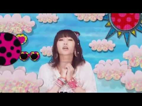 LiSA 『BRiGHT FLiGHT -MUSIC CLIP short ver.-』 - YouTube