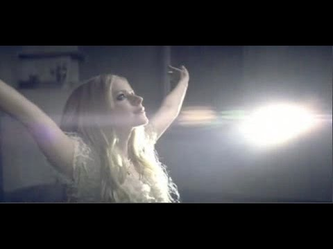 Avril Lavigne - Keep Holding On (Music Video) - YouTube